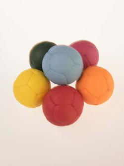 juggling balls in ten colors